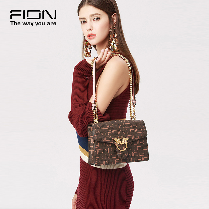 Fion/Fianne 2019 New Small Popular Light Luxury Women's Bag Chain Small Square Bag Bee One Shoulder Slant Bag