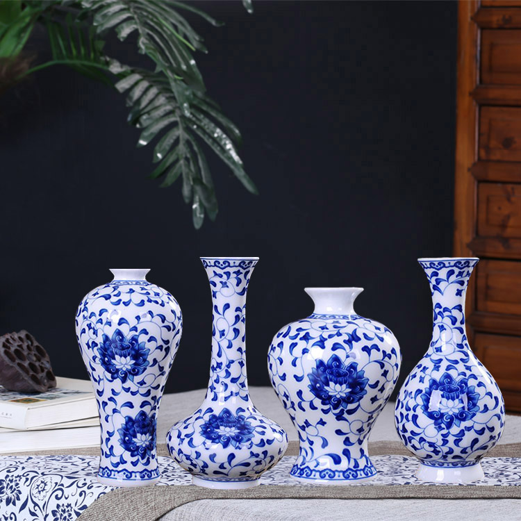 Jingdezhen ceramics hand-painted blue-and-white porcelain mini vase home living room shelf decoration classical Chinese