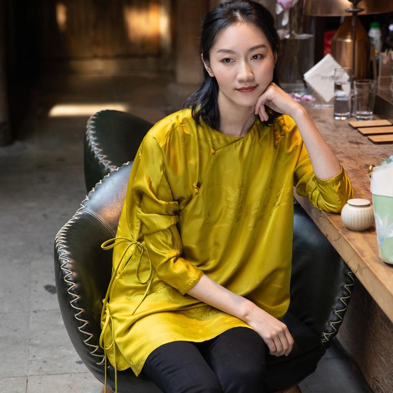 New Chinese literature and art retro modified Chinese style silk interwoven jacquard satin slant lapel round neck jacket Tang dress womens top