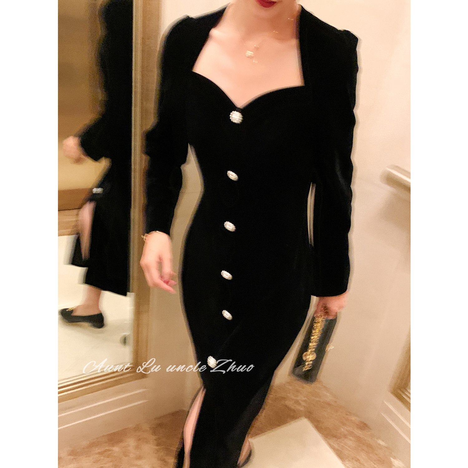 Aunt Deer Uncle ZhuoBlack velvet French v-neck dress goddess temperament slim dress 2020 new