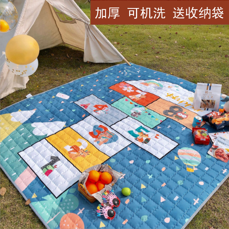 Outdoor picnic mat waterproof moisture-proof spring tour mat portable plus thickened picnic mat beach mat can be machine washed