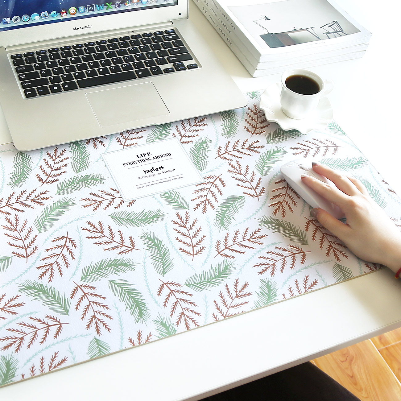 Wide range of animal and plant series tablemat simple waterproof desk computer cute rubber mat game keyboard mat