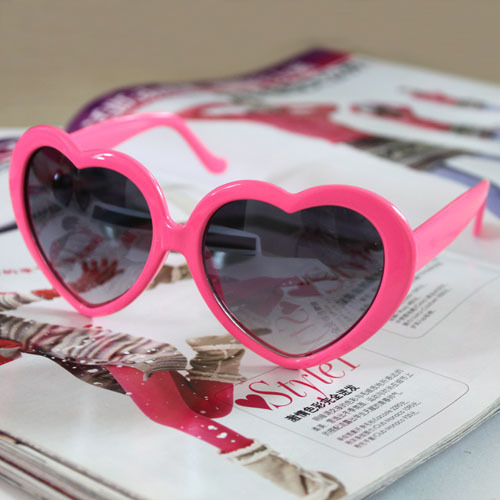 Leisure glasses, love glasses, peach heart glasses, sunglasses, beach shades