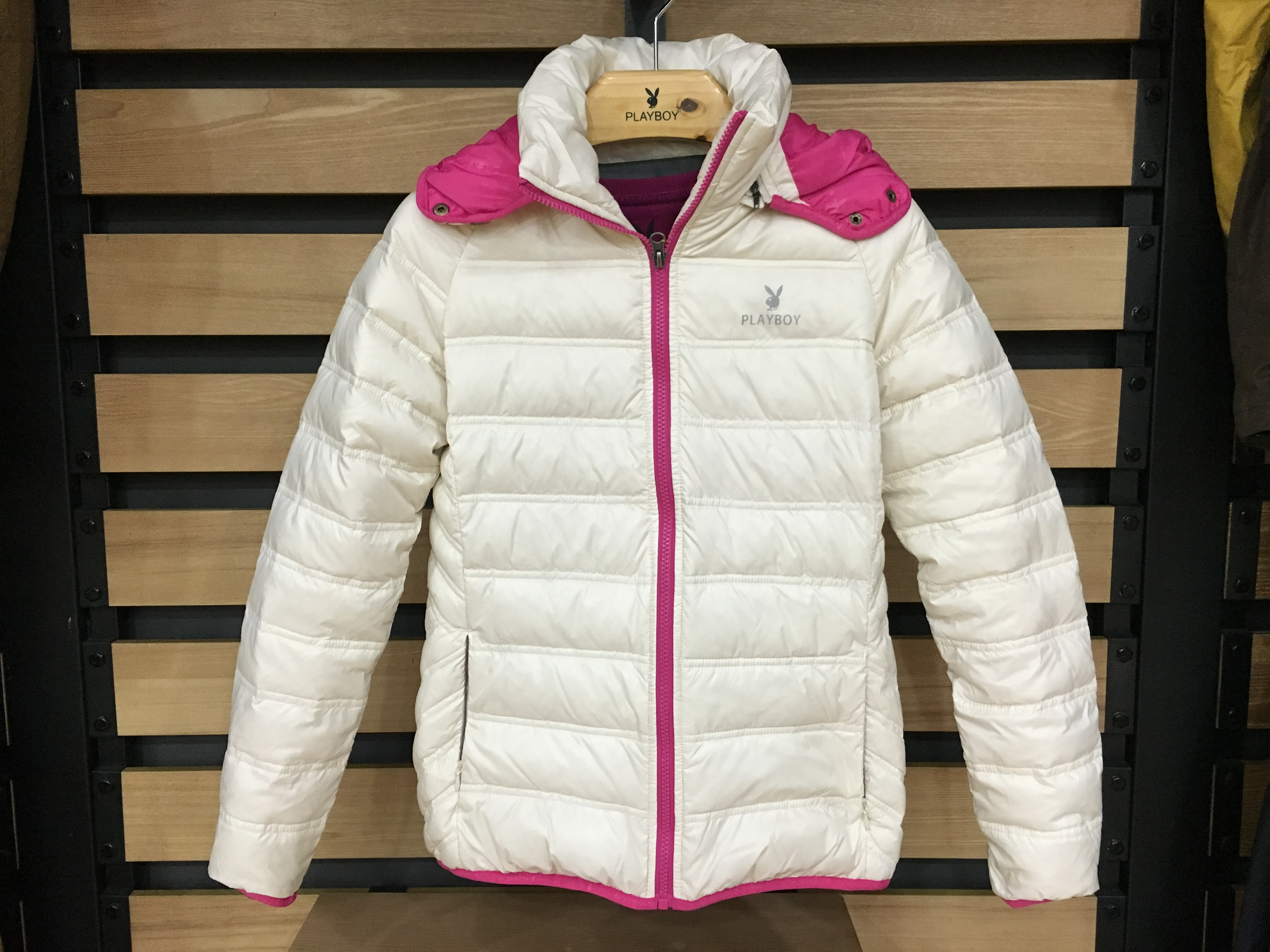 Packaging winter NEW PLAYBOY genuine outdoor women's thermal cotton jacket down jacket EY97032