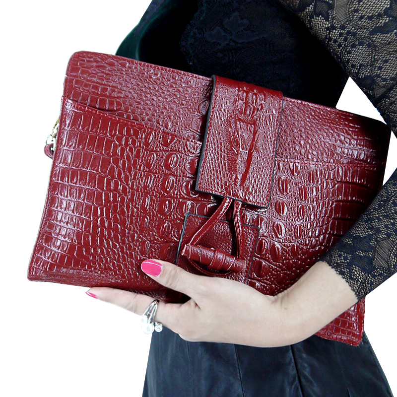 Hand bag female bag 2018 new crocodile pattern leather female clutch bag Europe and the United States tide fashion single shoulder diagonal bag small bag