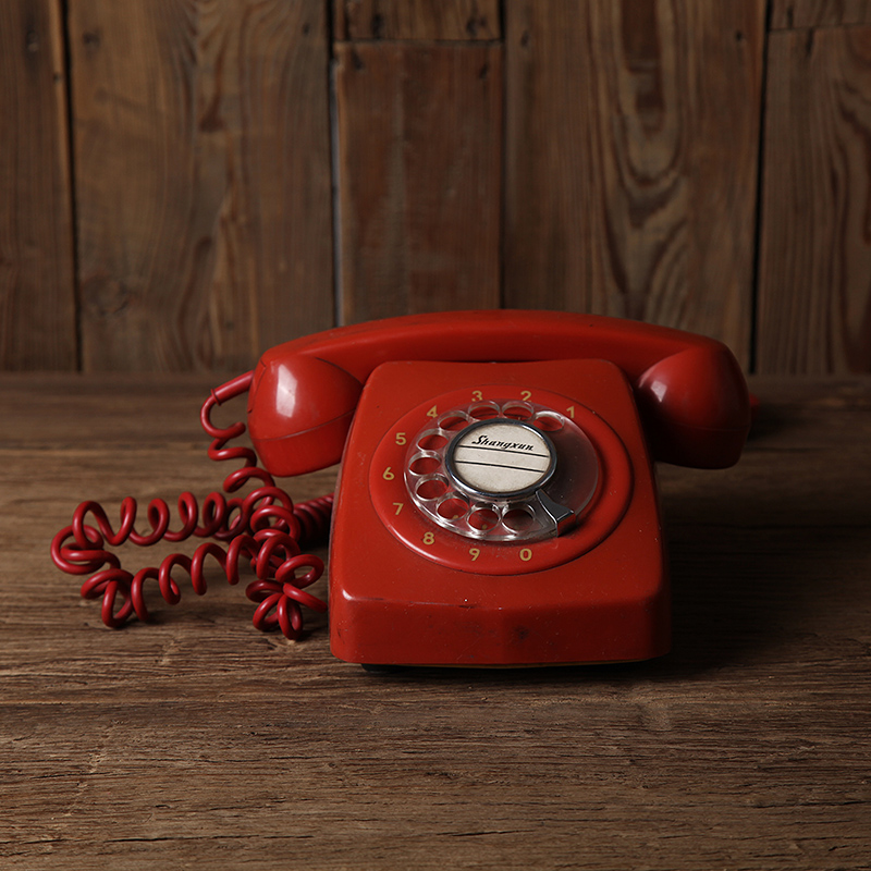 vintage80 old phone red dial photography props Retro ornaments Shooting telephone vintage objects