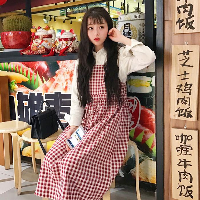 Đầm dáng dài, thiết kế kẻ sọc trẻ trung, chất liệu cotton thoáng mát, trẻ trung