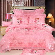 Embroidered wedding wedding four sets of wedding red pink lace quilt cover 2.0m bed cover bed on the bed of 1.8