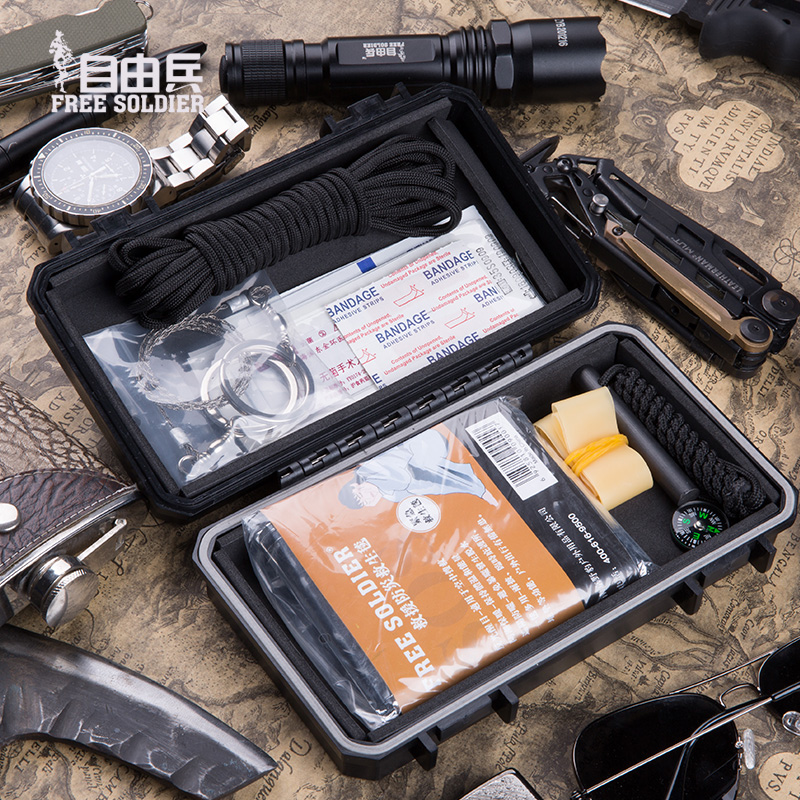 Outdoor travel field first aid kit wild rescue blanket multi-function tool portable self-rescue kit survival tool