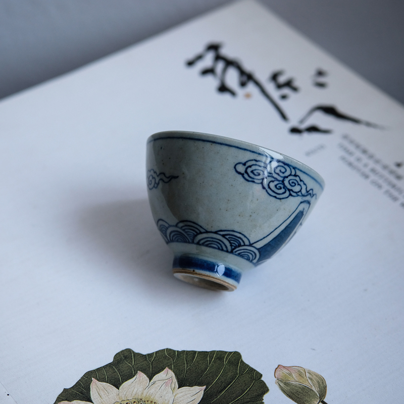 Yu ancient hand-painted qinghua porcelain Yunshan single cup master cup tasting cup tea art cup tea with kung fu tea ceremony accessories