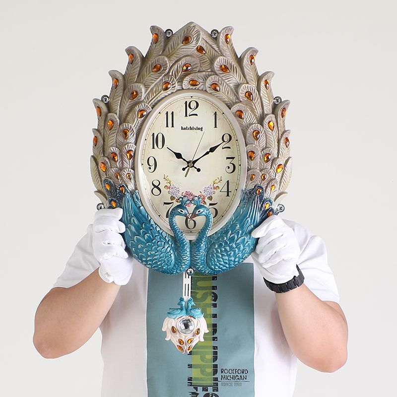 Clock Wall Clock Wall Clock Watch Watch Watch Watch Living Room Household Fashion Phoenix Peacock Personality Quartz Clock Creative Silent Watch