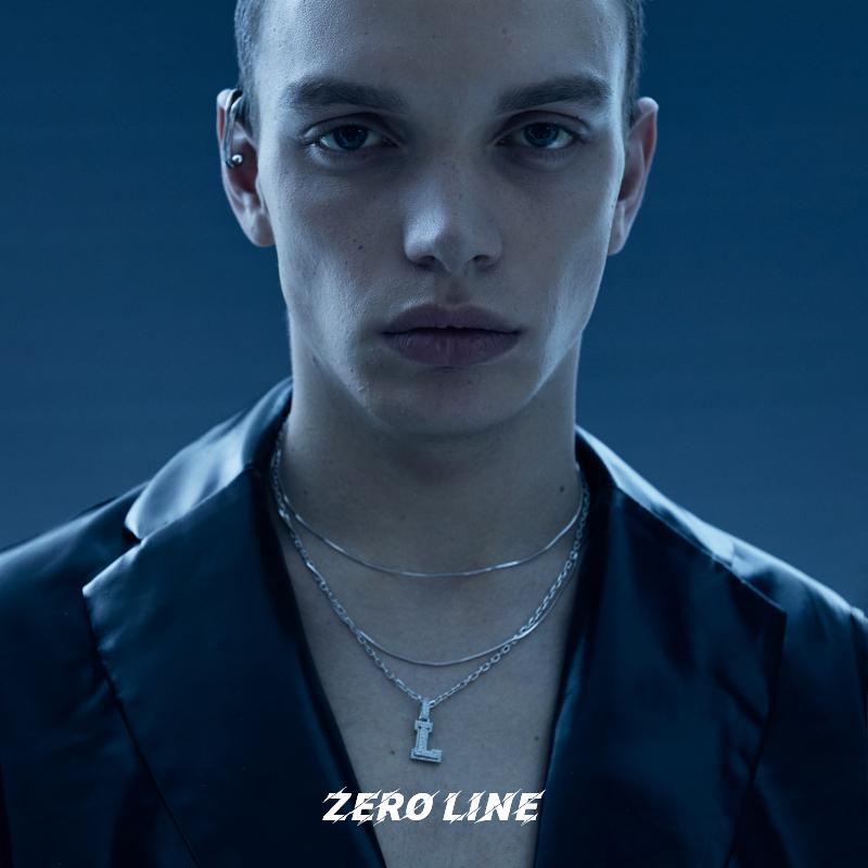 Zeroline porte un collier de lettres et un pendentif en couple féminin léger 2021 pour homme accessoires hip-hop