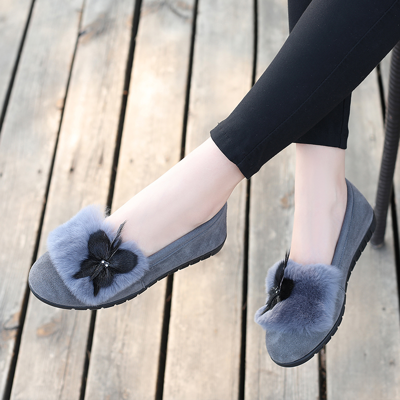 New leather large size single shoes female 2018 autumn and winter fur shoes flat 41-43 fashion wild pregnant women shoes women's shoes