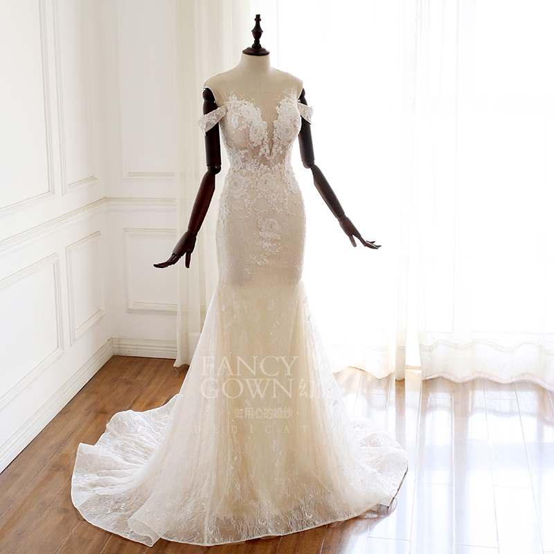 Phantom Yue - flower light three perspective invisible mesh yarn vest a word shoulder lace fishtail show thin slim back light wedding dress