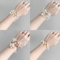 Wedding bridesmaid wrist flower bride sister hand flower small fresh Sen korean-style aesthetic sister group pearl super fairy