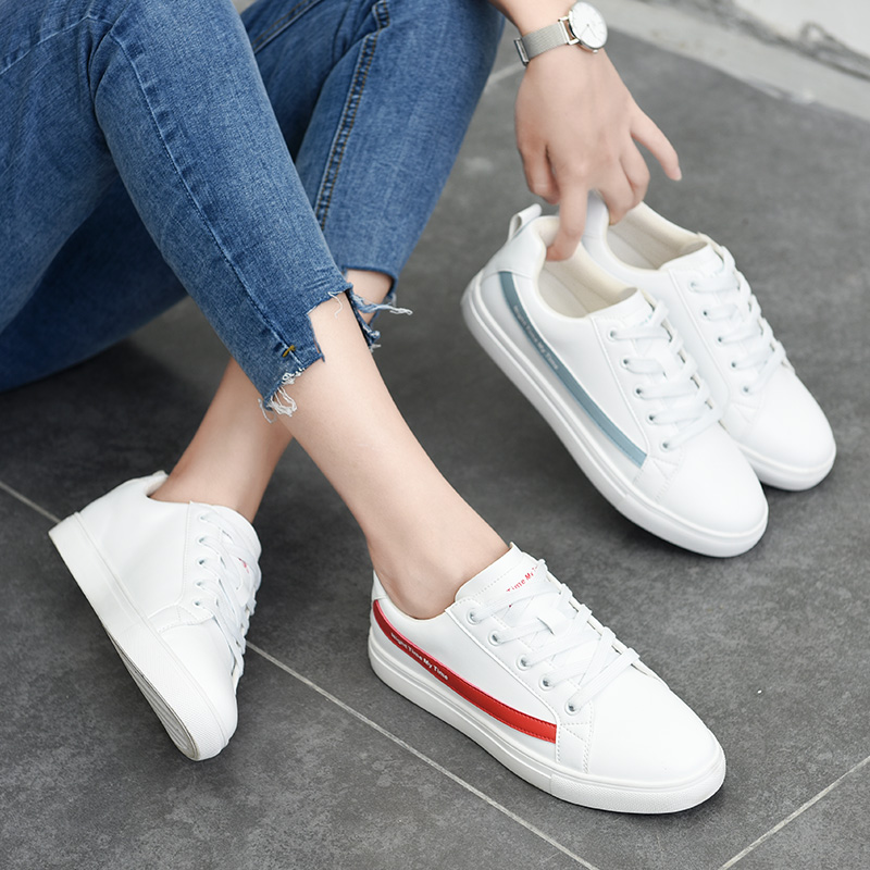 The New Type of Net Red Shoes in Autumn with Round Head Lace, Net Red Small White Shoes in Women's Shoes Fashion Korean Baitao Street