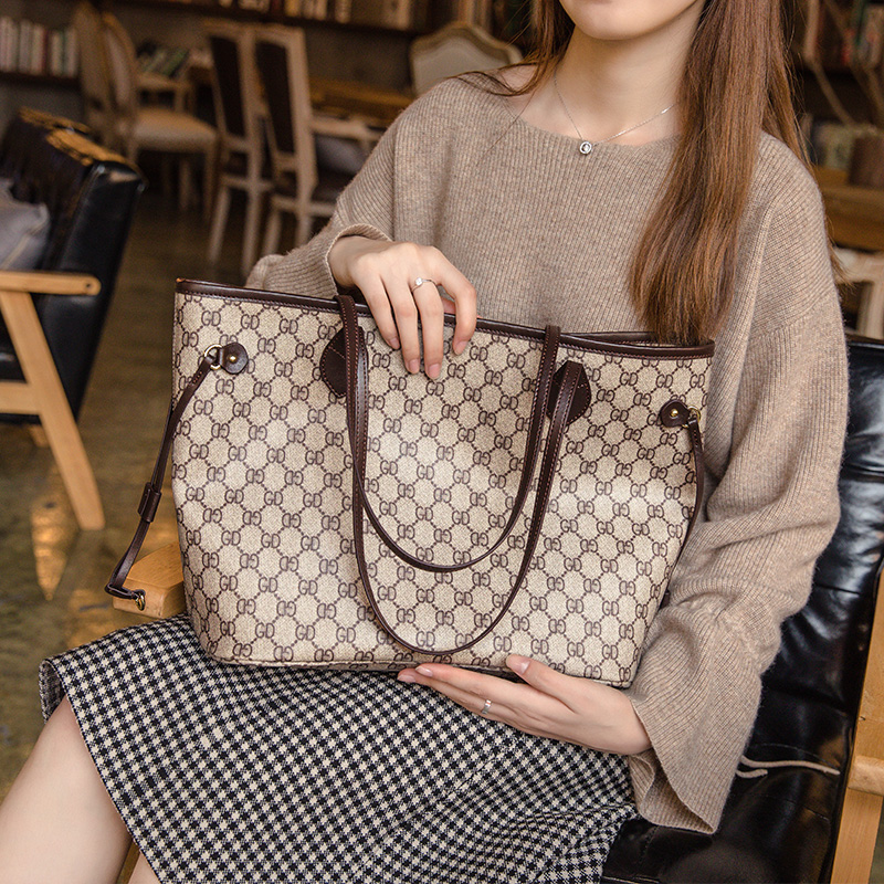 Large-capacity bag female 2018 new portable wild texture atmospheric shoulder bag autumn and winter tote large bag ins bag