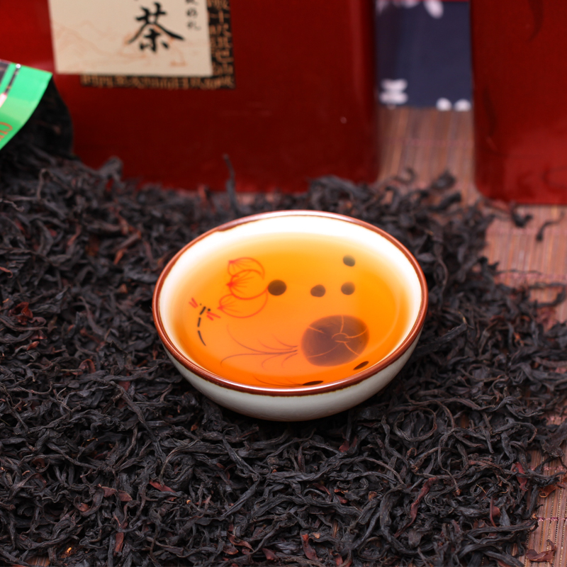 Spring Tea 2019 Yunnan Fengqing Yunnan Black Tea High Altitude Wild Ancient Tree Black Tea Flower and Fruit Fragrance 500g Package