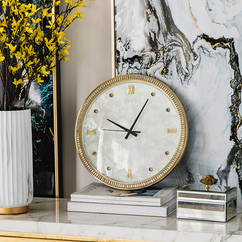 Lightweight and luxurious drill-inlaid pendant clock retro-bronze living room wall clock simple modern round silent household electronic quartz clock