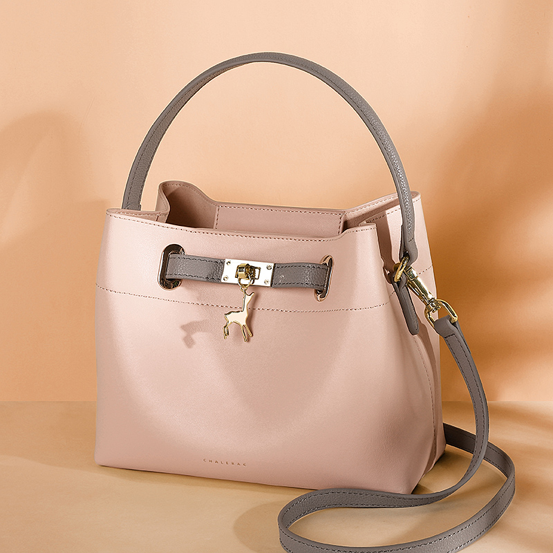 Bag female 2018 new female bag leather bag tide Korean fashion wild portable bucket bag shoulder Messenger bag female
