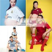 Rental maternity clothing portrait photo parent-child football studio photography of pregnant women pregnant as husband and wife dress clothes