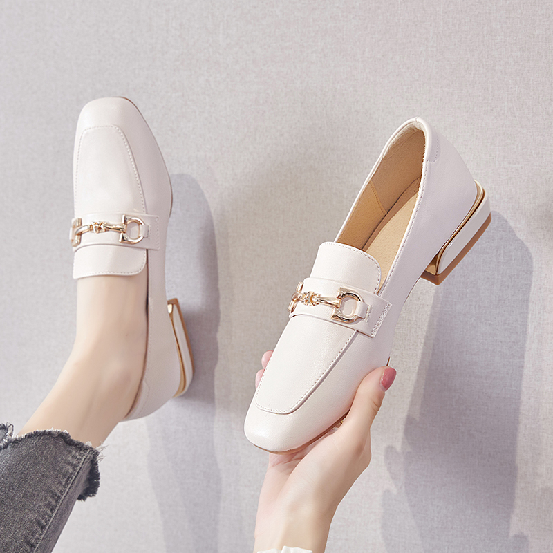 Large size women's shoes 41 43 feet wide and fat sister shoes women 2020 new summer small leather shoes all-match single shoes 40