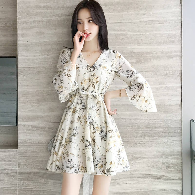 European station summer new French niche v-necked shredded flower chiffon dress female small man thin a-word skirt skirt