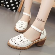 All-match hollow Baotou summer sandals female buckle with a flat round head flat shoes with hollow low Korean Students