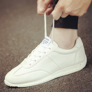 In the autumn of 2017 new all-match white shoe shoe trend of Korean sports and leisure shoes in winter with velvet shoes