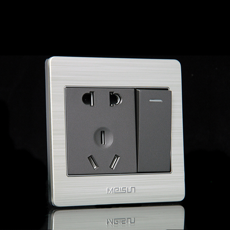 US is still X7 drawing switch socket panel Five-hole socket with switch socket Wall socket with switch